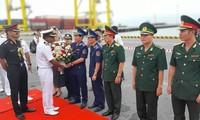 Buque militar de la India visita Da Nang