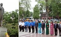 Rinden homenaje a Lenin en Hanói