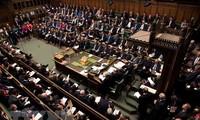 Gobierno de Theresa May quiere que el Brexit se apruebe antes de julio