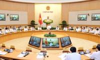 Celebran reunión ordinaria del Gobierno de Vietnam del mes de abril