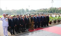 Conmemoran 129 aniversario del nacimiento del presidente Ho Chi Minh en Vietnam y resto del mundo