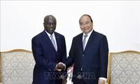 Primer ministro Nguyen Xuan Phuc recibe a canciller de Costa de Marfil