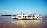 Paseo en barco por el Río Rojo