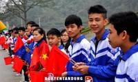Jóvenes vietnamitas y chinos interesados por avanzar cooperación bilateral