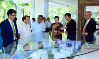 National Assembly Chairwoman visits Ton Duc Thang University