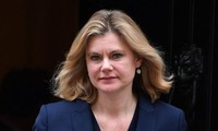UK cabinet reshuffle: Justine Greening quits the government