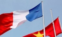 Vietnam-France ties thrive