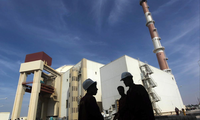 Iran threatens to quit nuclear deal