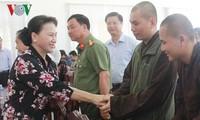 응웬 티 김 응안 (Nguyen Thi Kim Ngan)국회의장 Can Tho, Phong Dien현 유권자 접견