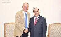 Nguyen Xuan Phuc총리, 베트남 관광 대사 접견