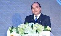 Nguyen Xuan Phuc총리, Hoa Binh성 투자 촉진 회의에 참여