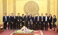 일본 공산당 대표단,  Ninh Binh 성 방문
