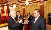 베트남 – 라오스 특별 관계 유지 발전