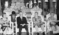 캄보디아와 미국 언론사, 레 득 아인 (Lê Đức Anh) 전 국가주석의 업적 높이 평가
