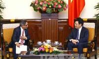 Pham Binh Minh reçoit le vice-ministre salvadorien des Affaires étrangères