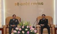 Un général japonais en visite au Vietnam