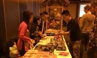 Les Vietnamiens à l'étranger fêtent le Têt