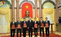 Le président Tran Dai Quang nomme de nouveaux ambassadeurs
