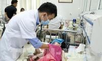 Canicule à Hanoï: soin des enfants en maternelle
