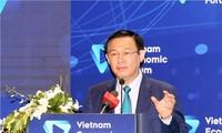 Vuong Dinh Huê au forum sur le marché des capitaux et des finances
