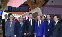Le PM Nguyên Xuân Phuc achève sa visite à la CIIE 2018