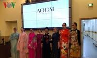 La styliste Minh Hanh parle d'ao dài en Russie