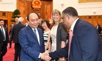 Nguyên Xuân Phuc rencontre des professionnels étrangers du tourisme
