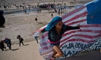États-Unis: La Cour suprême ne valide pas la restriction du droit d'asile voulue par Trump