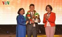 Football: Quang Hai reçoit le ballon d'or 2018