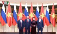 Le président de la Douma d'État russe termine sa visite au Vietnam