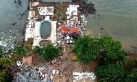 Indonésie: le bilan du tsunami est porté à au moins 373 morts