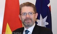 Le président du Sénat australien au Vietnam
