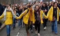 Des milliers d'opposants à l'avortement manifestent à Paris