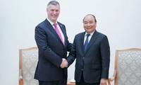 Nguyên Xuân Phuc reçoit les dirigeants de certains grands groupes internationaux
