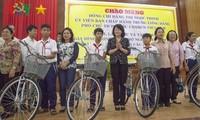 Dang Thi Ngoc Thinh en déplacement à Kiên Giang