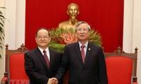 Le haut responsable de la région autonome zhuang du Guangxi reçu par Trân Quôc Vuong