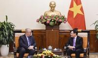 Pham Bình Minh reçoit le nouvel ambassadeur belge au Vietnam