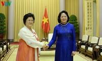 Dang Thi Ngoc Thinh reçoit la vice-présidente de l'Association d'amitié RPDC - Vietnam