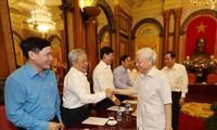 Nguyên Phu Trong reçoit une délégation du Front de la Patrie
