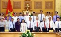 Nguyên Xuân Phuc en réunion avec le Front de la Patrie du Vietnam