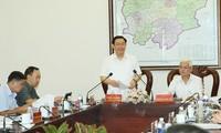 Vuong Dình Huê travaille avec les autorités de Bình Phuoc (sud)