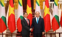 Nguyên Xuân Phuc rencontre le président birman