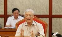 Nguyên Phu Trong préside une réunion du Bureau politique
