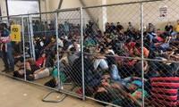 """Aux États-Unis, des centres pour migrants aux conditions """"effroyables"""""""