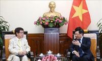 Un responsable du cabinet japonais reçu par Pham Binh Minh