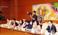 Renforcement des collaborations entre les députés français et vietnamiens