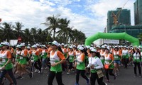 Dà Nang: plus de 9.000 personnes participent au marathon international Manulife