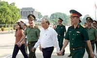Nguyên Xuân Phuc inspecte la remise à niveau du mausolée de Hô Chi Minh