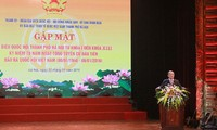 Руководители СРВ встретились с бывшими и действующими депутатами парламента от Ханоя