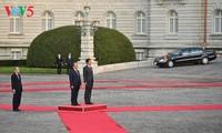 В Токио состоялась официальная церемония встречи премьера СРВ Нгуен Суан Фука